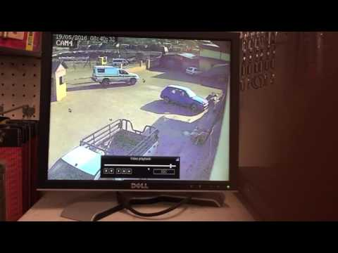 South African police assets robbers to hijack the car and pass