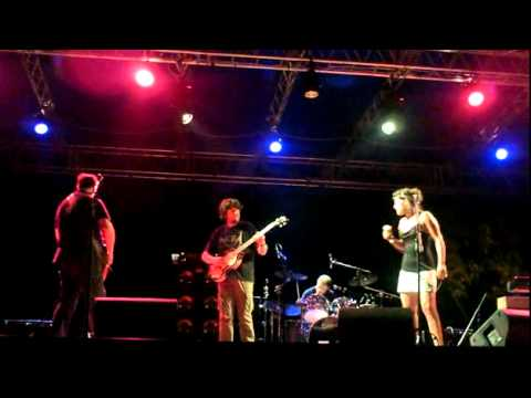 Semolina Pilchard - I Am The Walrus - Beatles Day Livorno 08 07 2011.avi