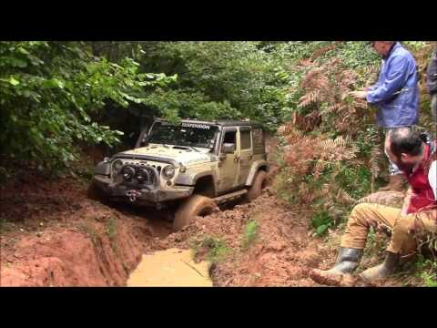 Jeep Wrangler JK vs Jeep GC 5.9 vs Land Rover Defender 90's  *OFFROAD*