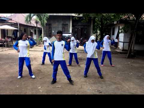 Senam Irama (Korea Song) SMKN9 Tangerang