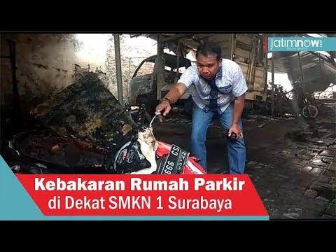 Kebakaran Rumah Parkir Di Dekat SMKN 1 Surabaya