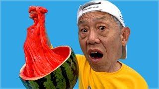 유니와 할아버지의 수박 슬라임 만들기 놀이 Giant Watermelon Pretend Play for kids