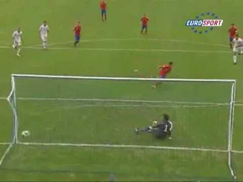 Cú sút penalty siêu quái của tài năng trẻ Tây Ban Nha