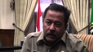 Rano Karno Terserang Penyakit Bell`s Palsy - Tuntas 03 Maret 2015.