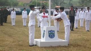 Video Pengibaran Bendera Paskibraka Kota Banjar Patroman 2015 #1 download MP3, 3GP, MP4, WEBM, AVI, FLV November 2017