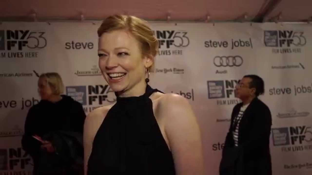 Sarah Snook  | 'Steve Jobs' Red Carpet | NYFF53