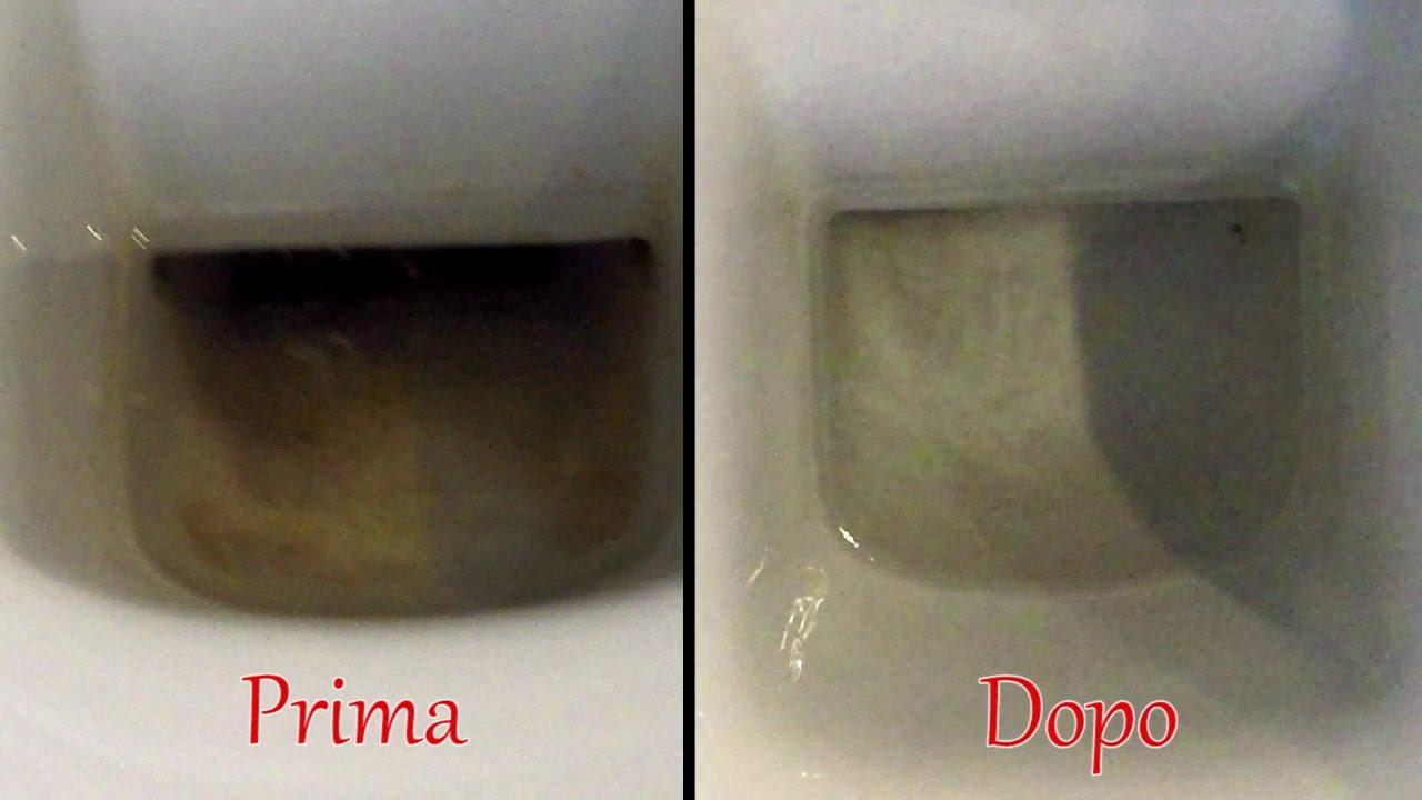 Incrostazioni nel wc addio con il trucchetto di - Come pulire le fughe del bagno ...