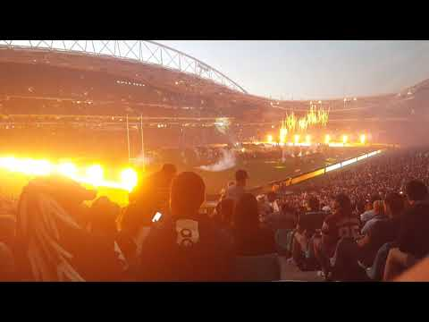 NRL GF 2017 Macklemore Glorious