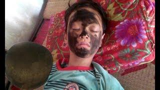 Troll bựa bôi đít nồi lên mặt Makeup with cooking saucepan