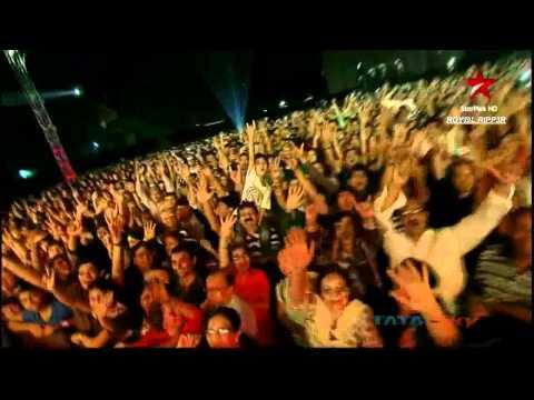 Sadda Haq Live (HD) @ Rockstar Concert Mumbai- A R Rahman, Ranbir Kapoor-November 2011 thumbnail