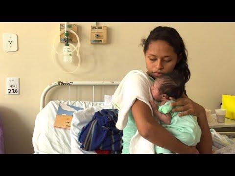 Desperate Venezuelan mothers give birth in Brazil border city