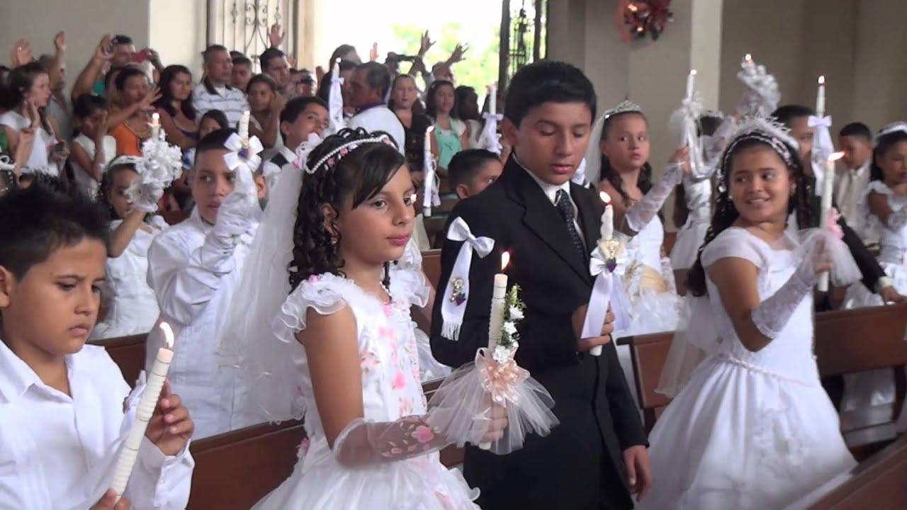 Parroquia Santos Apóstoles primeras comuniones Dic 08 2013 - YouTube