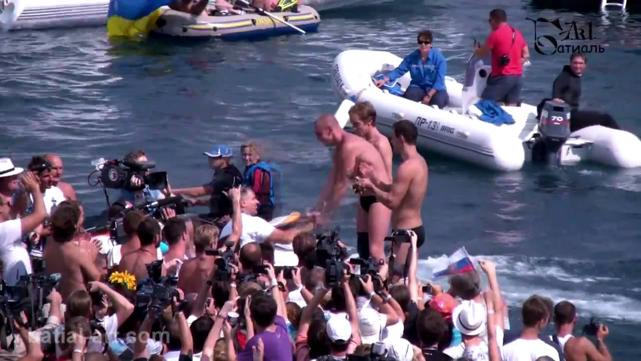 Red Bull Cliff Diving 2011. Yalta. Прыжки в воду. Ялта. 04.09.mp4