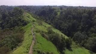Индонезия, остров Бали 2016, видео с квадрокоптера, Тропа художников. Bali 2016(Сегодня была очередная попыпытка полетать над тропой художников! В прошлый раз был краш и не снял ничего........, 2016-07-12T05:50:25.000Z)