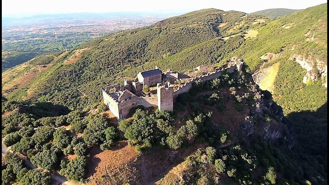 CASTILLO DE CORNATEL - Santalla del Bierzo (A vista de Zángano)