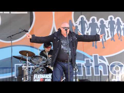 """Mike Score of A Flock of Seagulls with Flashback Heart Attack performing """"I Ran"""" at OC Marathon 2014"""