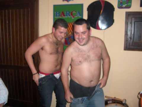 vídeo pornô gay hombres peludos desnudos
