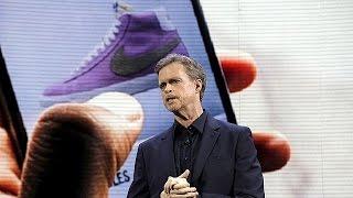 حذاء ذكي فريد من نوعه يربط نفسه تلقائياً      17-3-2016