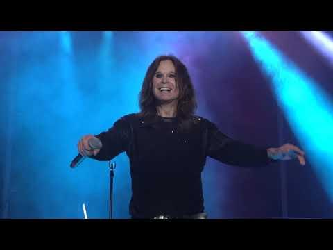 Ozzy Osbourne - Mama I'm Coming Home + Paranoid ROCK USA 2017 Oshkosh Wisconsin