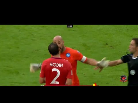 Pepe Reina tells Godin to get off the pitch ▶ ATLETICO MADRID VS NAPOLI 2-1 AUDI CUP SF