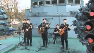 Скачать 300 лет концертная группа Черные береты