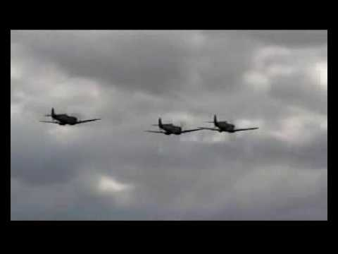 White Cliffs Of Dover - Spitfire Show - footage via FlyingMachinesTV.co.uk