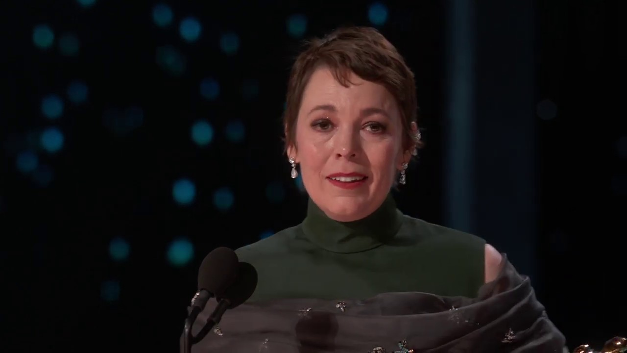 Olivia Colman in tears as she pays tribute to late father in Emmys ...