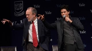 Jeffrey Brenzel and Shah Rukh Khan Recite Movie Dialogue in Hindi (Official Video)
