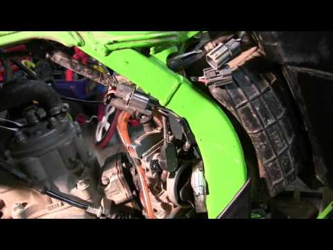 2000 KX125 Part 4 : Removing Carb, Intake Boot & Reed Cage