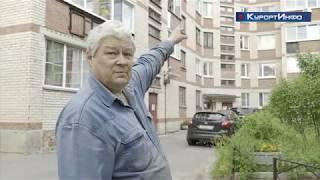 Жильцы дома №1 на Советском проспекте в Разливе обеспокоены осыпанием кирпичей на фасаде здания