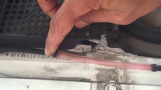 Réparer un tuyau percé de voiture avec recup