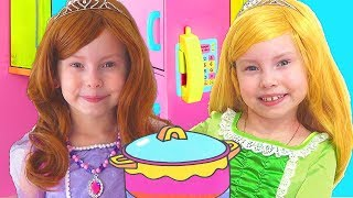 Alice Pretend Princess & Plays w/ Kitchen Play Set