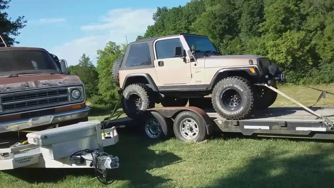 Check out this 1998 Jeep at GAS AXE CHOP SHOP in Ten Mile Tenn. Has rust problems with the frame.
