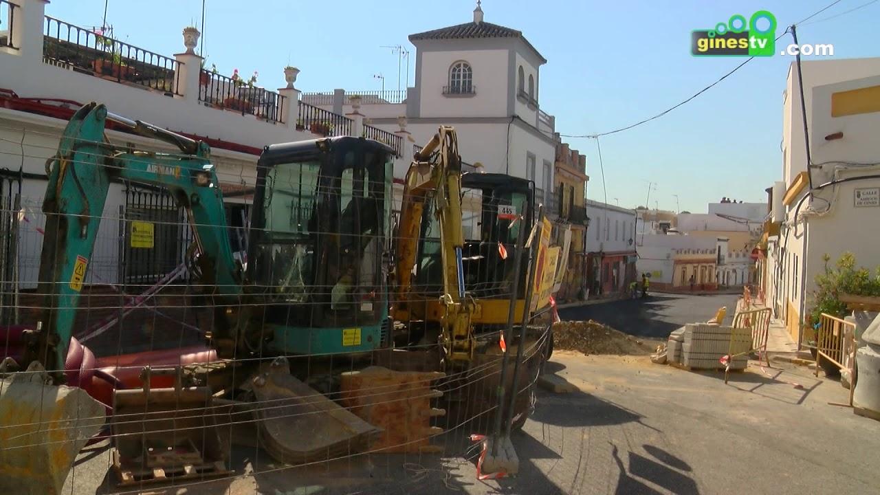 Trabajos de asfaltado en la calle José Luis Caro