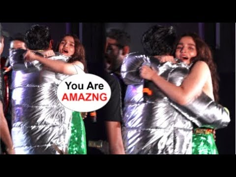 Alia Bhatt's CUTE Moment With Ranveer Singh Gives Him A HUG After Performance At Gully Boy Concert Mp3