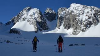 CHASING THE WINDS - Backcountry Snowboarding In Wyoming's Wind River Range