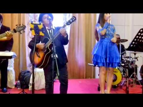Akustik Band Jakarta # Can't Help Falling In Love--Cover # Gd.MK-Bekasi, Tgl.9-Des17 Malam#