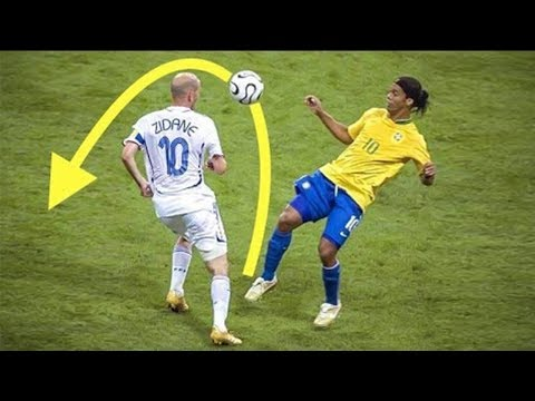 Thumbnail: 25 Players Destroyed By Ronaldinho