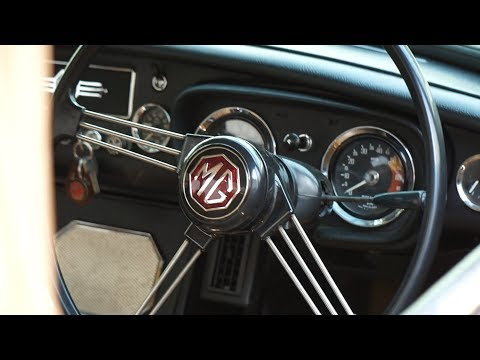 """CAR INTERVIEW EP.01 : """"MG"""" Classic Car with Timeless Design"""