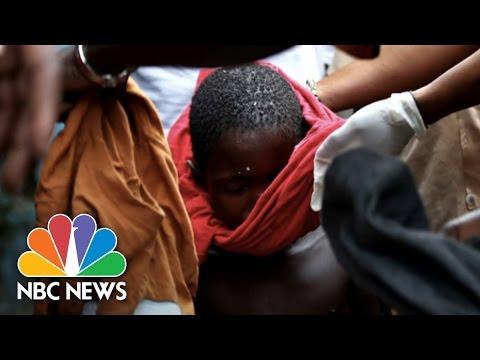 Haunting Photos Of Ebola-Stricken Slum | NBC News
