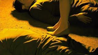 """妹子一个人走夜路,突然碰到一群躺地上的""""碰瓷小哥""""!吓得妹子动弹不得!"""