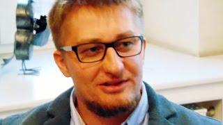 Шприц с ядом в ногу: наказание за журналистское расследование(Полиция в России саботирует расследование необычного нападения на журналиста. Десять дней прошло с тех..., 2016-12-09T14:56:24.000Z)