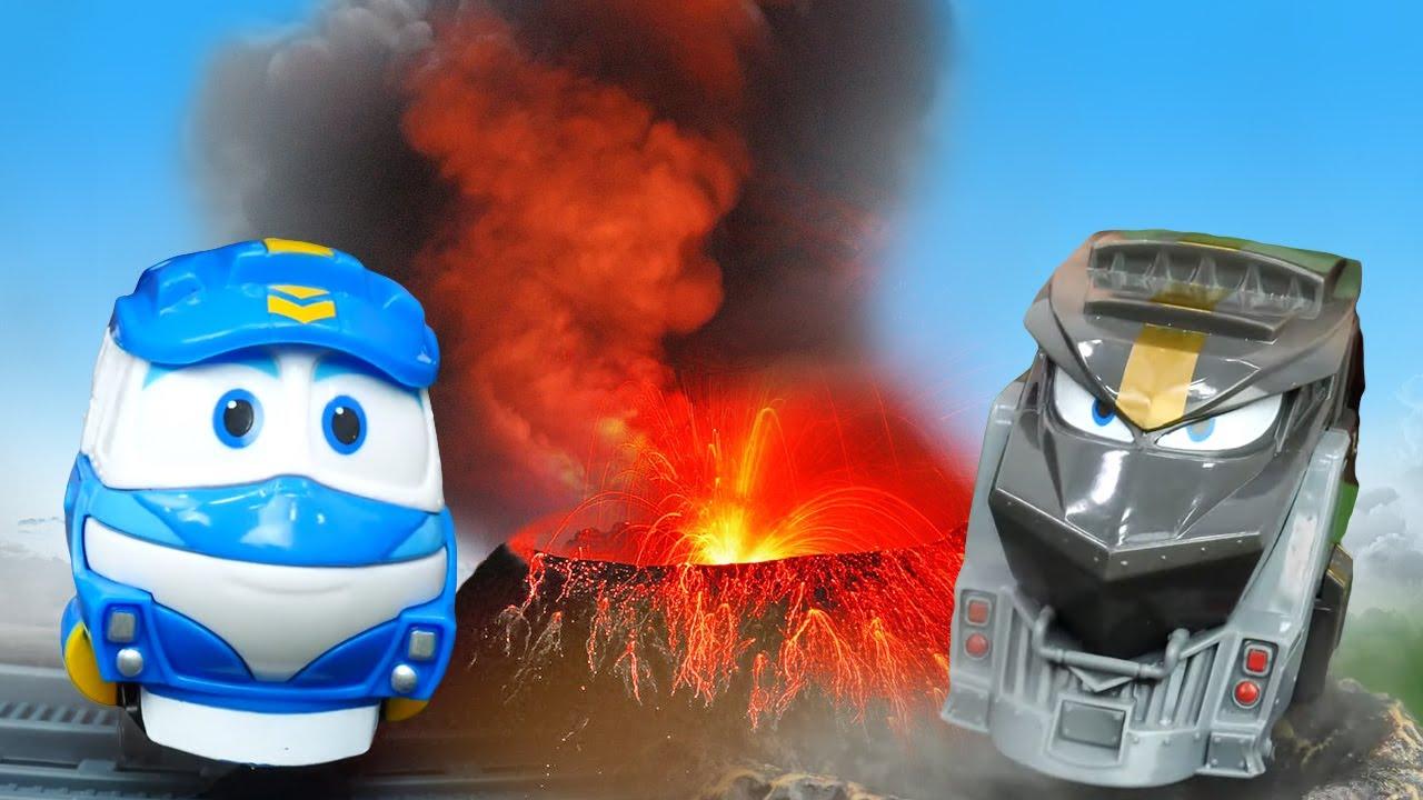 Видео игрушки Роботы Поезда. Паровозик Кей ищет вагоны! Дюк разбудил вулкан: время быть героем