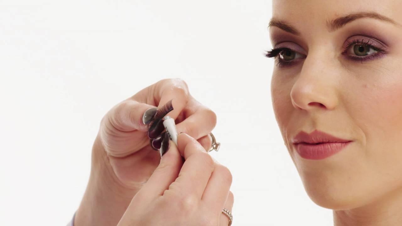 49bb1058454 Get the Look: False Eyelashes with QVS Beauty - YouTube