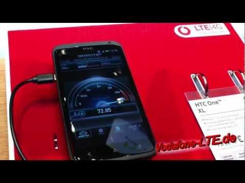 HTC One XL (LTE Smartphone) auf dem Vodafone Stand IFA 2012 in Berlin (HD / 2D)