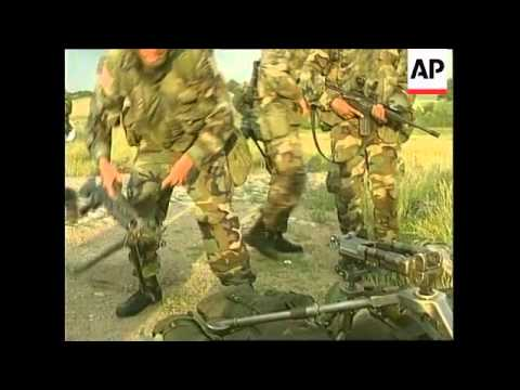KOSOVO: GNIJLANE: ARRIVAL OF US NATO TROOPS