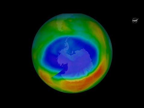 Le trou de la couche d 39 ozone se r sorbe lentement youtube - Trou de la couche d ozone ...
