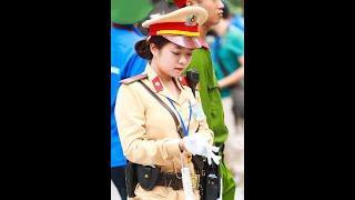 Nữ Cảnh sát giao thông xinh đẹp