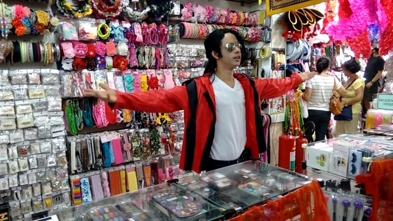9c3a58e7c7 Ayrton Jackson - Michael Jackson