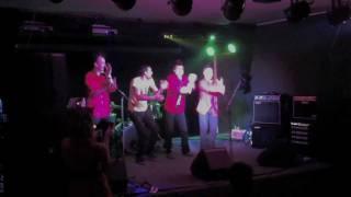 Новогодний урок гигиенических танцев в клубе Дада